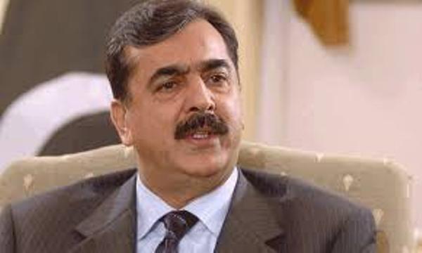 یوسف رضا گیلانی کے کاغذات نامزدگی پر اعتراض: حکومت سیاسی دھچکے کی تیاری کرے