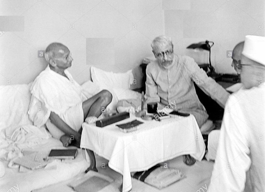 جب مہاتما گاندھی نے مولانا آزاد کی مخالفت کی