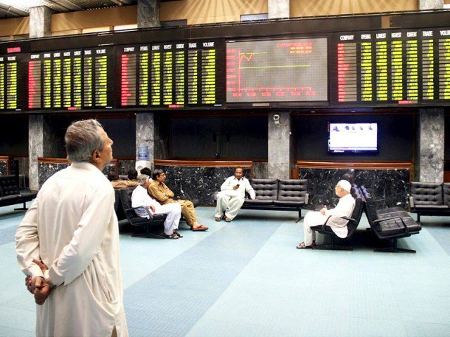 اسٹاک ایکسچینج بری طرح کریش: دو روز میں 1462 پوائنٹس کی کمی۔ سرمایہ کاروں کے 2 کھرب 31 ارب روپے ڈوب گئے