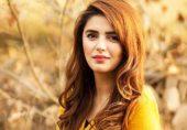 میڈیا کی چکا چوند نے مومنہ مستحسن کی خلوت پسندی کا ناٹک تار تار کر دیا