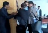 مطیع اللہ جان کا اغوا: وزیر اعظم بھی احتجاج میں شامل ہو جائیں