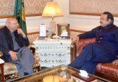 پنجاب میں بھی سیاسی اکھاڑ پچھاڑ کے آثار: گورنر چوہدری سرور سرگرم