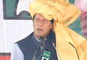 کیا عمران خان جانتے ہیں کہ وہ منتخب لیڈر ہیں؟