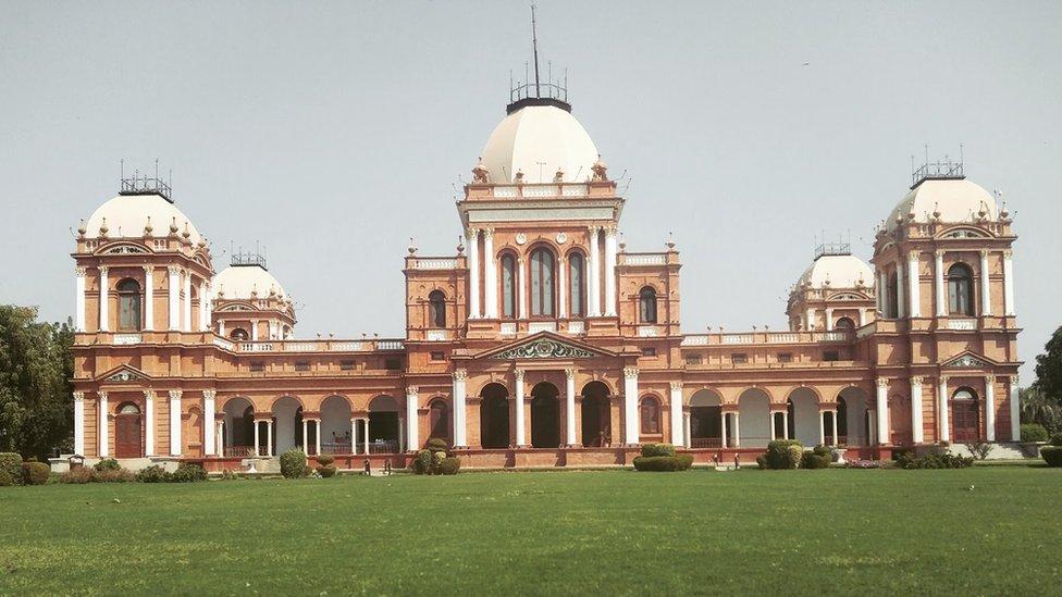 بہاولپور کا تاریخی نور محل