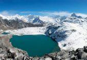 موسمیاتی تبدیلی: ہمالیہ کے گلیشیئرز پر برف انتہائی تیزی سے پگھل رہی ہے