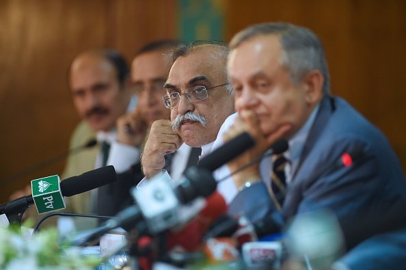 ڈاکٹر عاطف پاکستان اقتصادیات آئی ایم ایف
