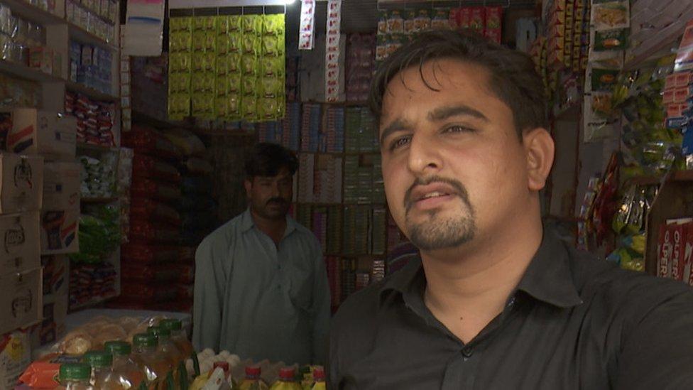 چکوٹھی کے دکاندار محمد امین، چکوٹھی، پاکستان کے زیرِ انتظام کشمیر