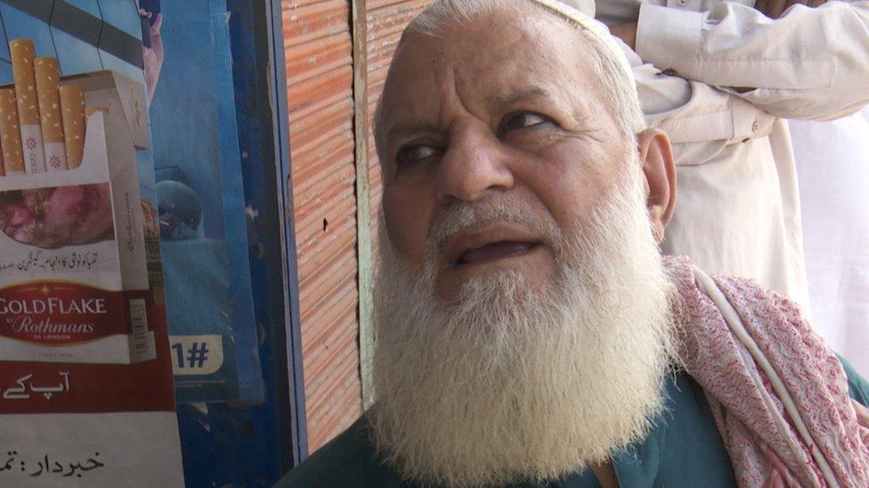 چکوٹھی کے دکاندار نور محمد، چکوٹھی، پاکستان کے زیرِ انتظام کشمیر