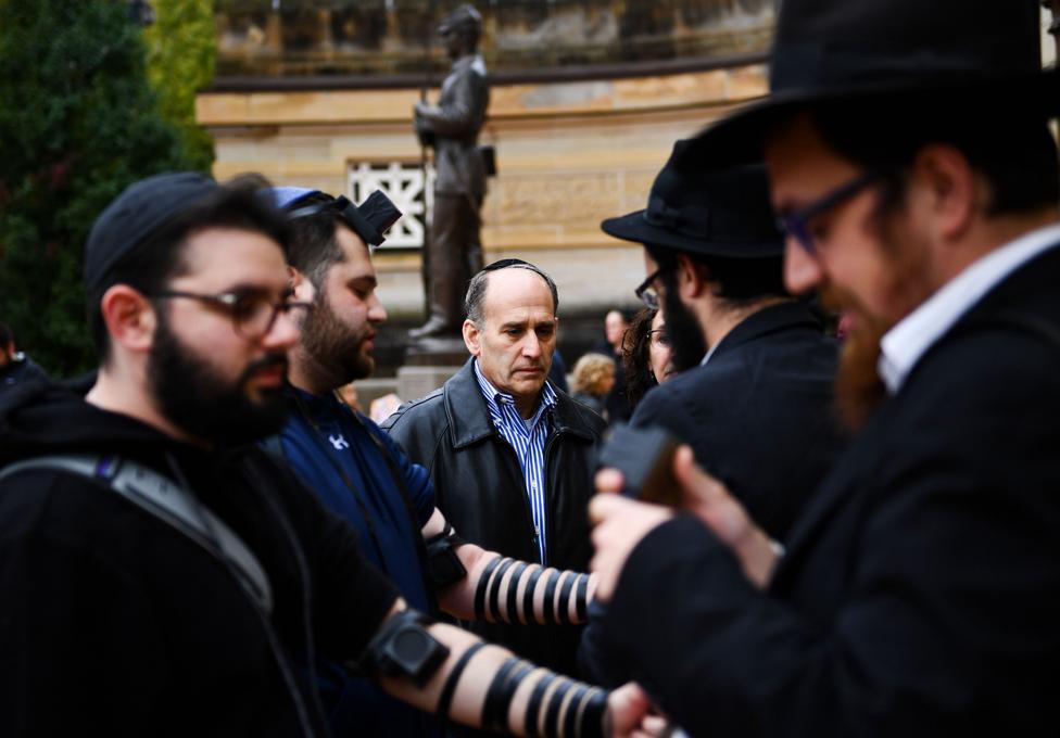 پٹسبرگ میں گیارہ یہودیوں کی ہلاکت پر ایک تعزیاتی تقریب