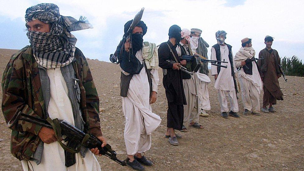 2008 - طالبان جنگجوں صوبہ وردگ کے ضلع میدان شہر میں