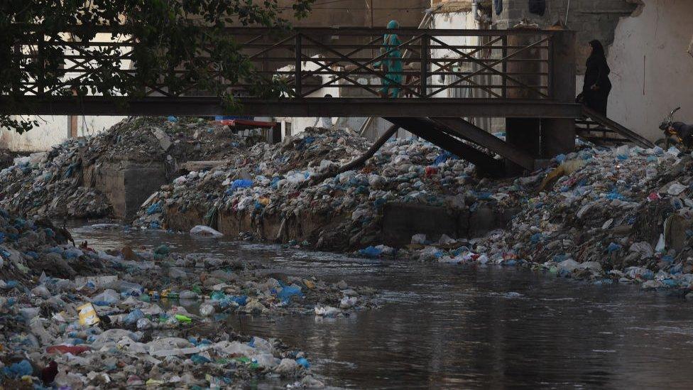 کراچی میں کچرا