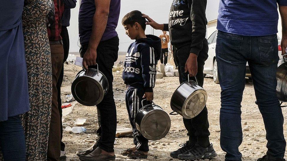 عراق میں امدادی کیمپ