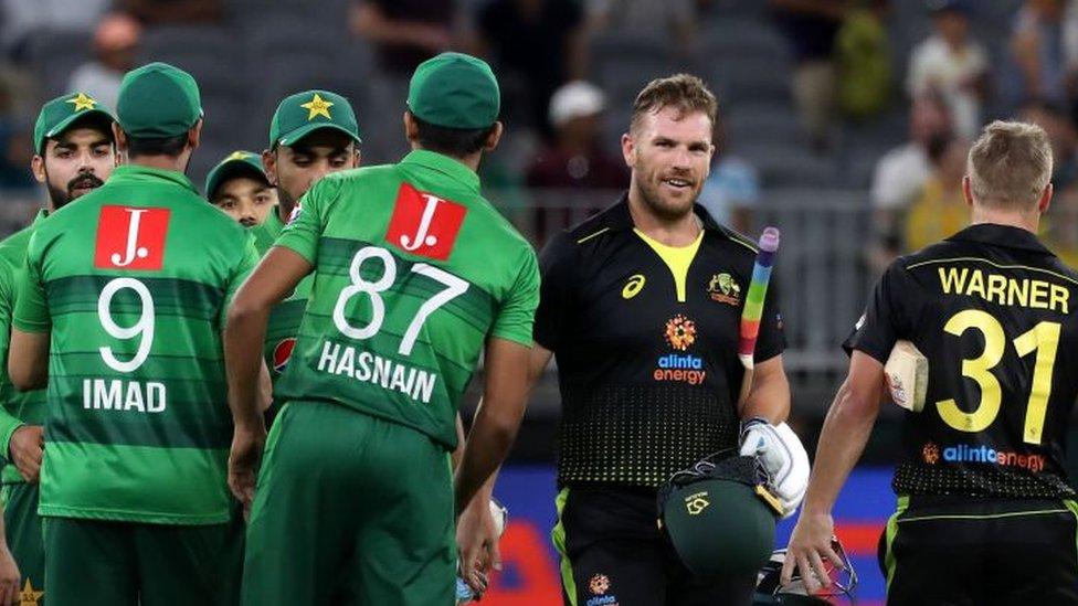 پاکستان، آسٹریلیا