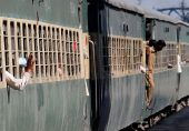 سپریم کورٹ میں ریلوے میں خسارے سے متعلق مقدمے کی سماعت: 'ریلوے بدعنوان ترین ادارہ ہے'، چیف جسٹس گلزار احمد