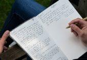 غالب کے دور میں لوگ 'فرشتوں' کے لکھے پر پکڑے جاتے تھے؟