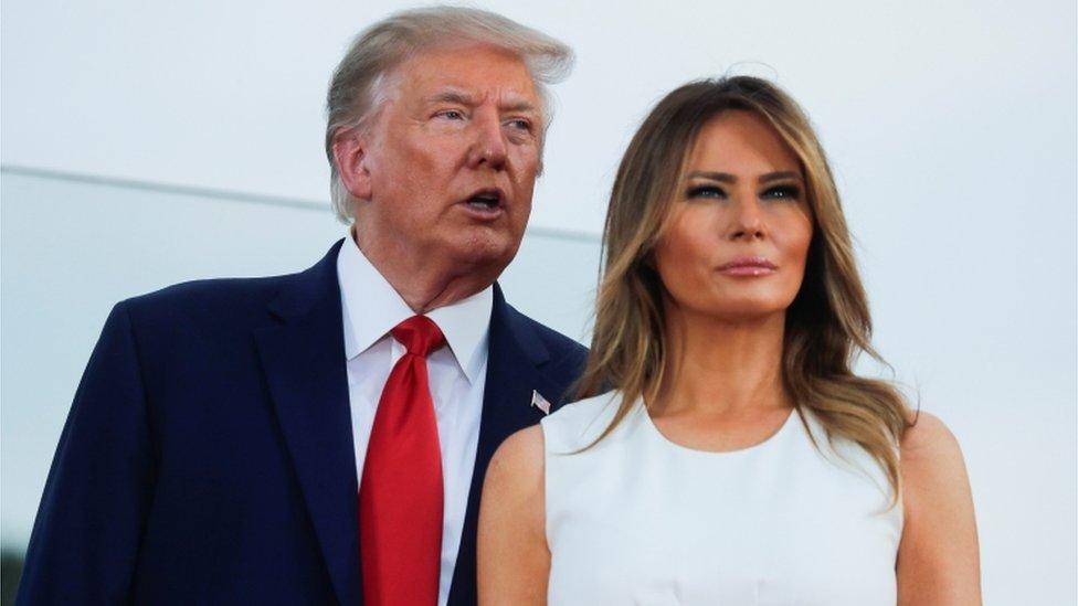امریکہ کی خاتونِ اول میلانیا ٹرمپ اور صدر ٹرمپ