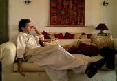 قوم ہاتھ کا سرہانا بنا کر سو رہے، عمران خان جاگ رہا ہے