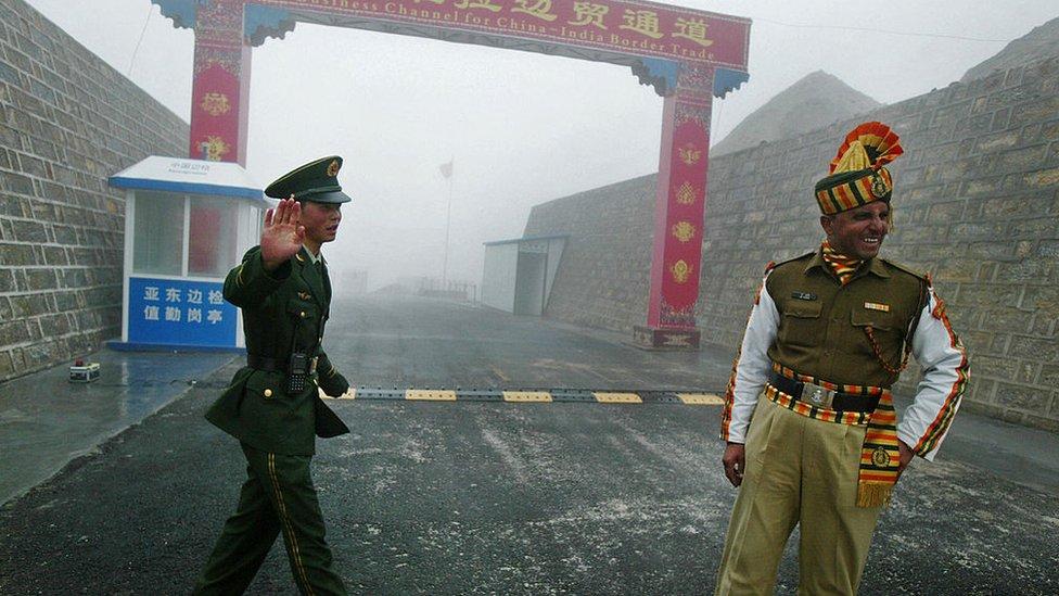 भारत और चीन के सैनिक