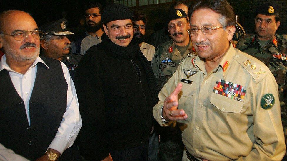 شیخ رشید اور پرویز مشرف