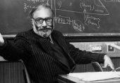 ڈاکٹر عبدالسلام کی تصویر پر کالک ملنے کا واقعہ: نوبیل انعام یافتہ سائنسدان کو مذہبی امتیاز کا سامنا کیوں؟