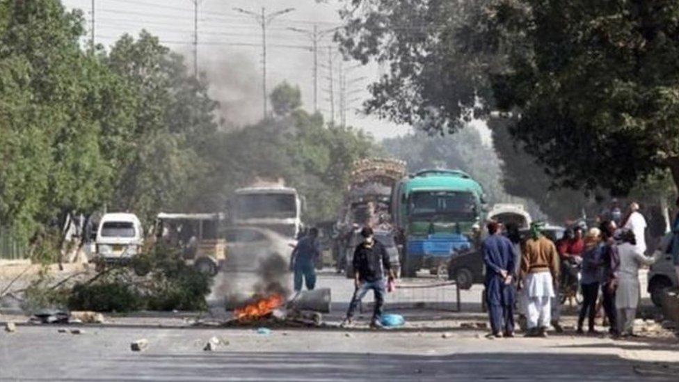 سنہ 2017 میں اسلام آباد میں تحریکِ لبیک کے احتجاج کے دوران تشدد کے واقعات