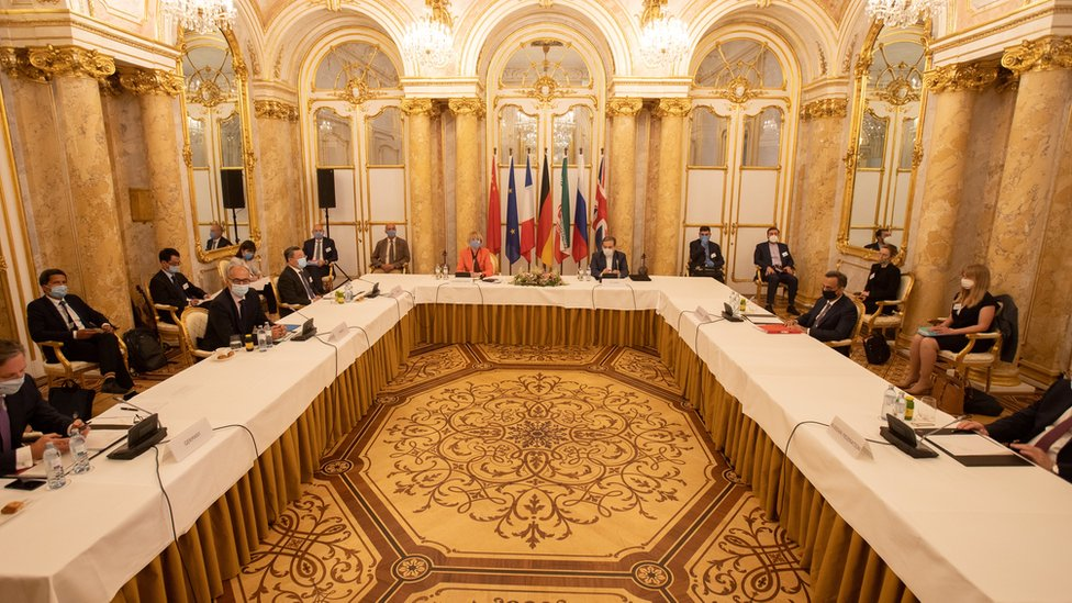 Iran's top nuclear negotiator Abbas Araqchi and Secretary General of the European External Action Service (EEAS) Helga Schmid attend a meeting of the JCPOA Joint Commission in Vienna, Austria (1 September 2020)