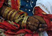 مذہب کی مبینہ جبری تبدیلی پر سندھ ہائی کورٹ کا حکم: مسیحی لڑکی نو عمر قرار، مقدمے میں نو عمری کے قانون کی دفعات شامل