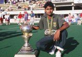 'میراڈونا آف ہاکی': شہباز احمد جن کے ساتھ پاکستانی ہاکی کا عروج بھی رخصت ہو گیا