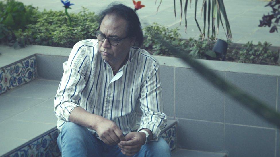 اکرم خان، جنسی ہراسانی، جنسی استحصال، پاکستان