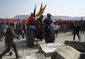بھارت: یومِ جمہوریہ پر کسانوں کا دہلی پر دھاوا، پولیس سے جھڑپوں میں متعدد زخمی
