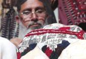 اپنی بیٹی کی شادی کے جوڑے خود تیار کرنے والے بلوچستان کے حفیظ اللہ: 'بیٹی میرے ہاتھ کے بنے کپڑے پہنے گی تو یاد بھی کرے گی اور فخر بھی'