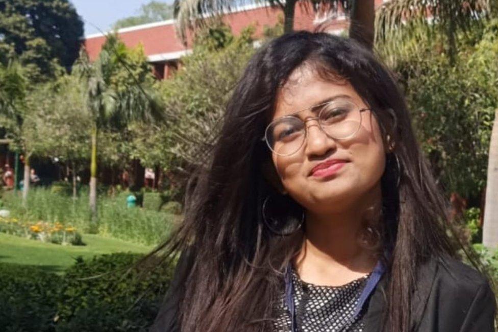 لیڈی شری رام کالج کی ارپیٹا چوہدری اور ان کے کالج کے دوسرے ساتھیوں نے معلومات کے لیے ایک آن لائن ڈیٹا بیس شروع کیا ہے