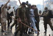 یتیم خانہ چوک میں تصادم: ایک غلطی حکومت اور پاکستان کو مہنگی پڑ سکتی ہے