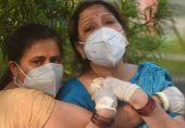 انڈیا میں کورونا وائرس کی دوسری لہر: 'دنیا کی فارمیسی' کہلانے والا انڈیا کورونا وائرس کی افراتفری میں کیسے ڈوبا؟
