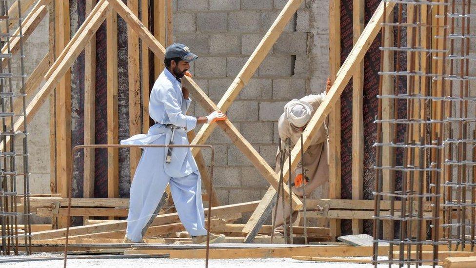 تعمیر، سعودی، پاکستان، مزدور