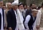 امر اللہ صالح: سابق افغان صدر کی جانب سے پاکستانی فوج کے ہتھیار ڈالنے کی تصویر شیئر کرنے پر پاکستانی صارفین کا ردعمل