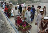 'ایرانی ماڈل' یا کوئی اور طریقہ، پاکستان افغان مہاجرین کی ممکنہ لہر سے کیسے نمٹے گا؟