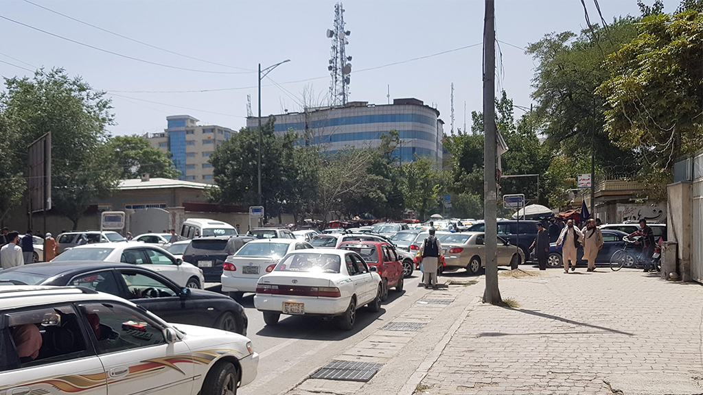 Gridlock as Taliban begins to enter outskirts of Kabul, August 15 2021