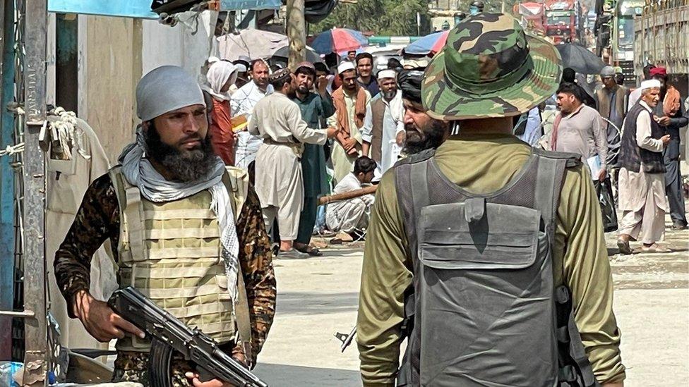 طالبان، طورخم سرحد