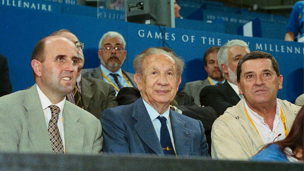 Fernando Martín Vicente (right) at the Sydney Paralympics with Miguel Sagarra (left) and the then president of the International Olympic Committee, Juan Antonio Samaranch