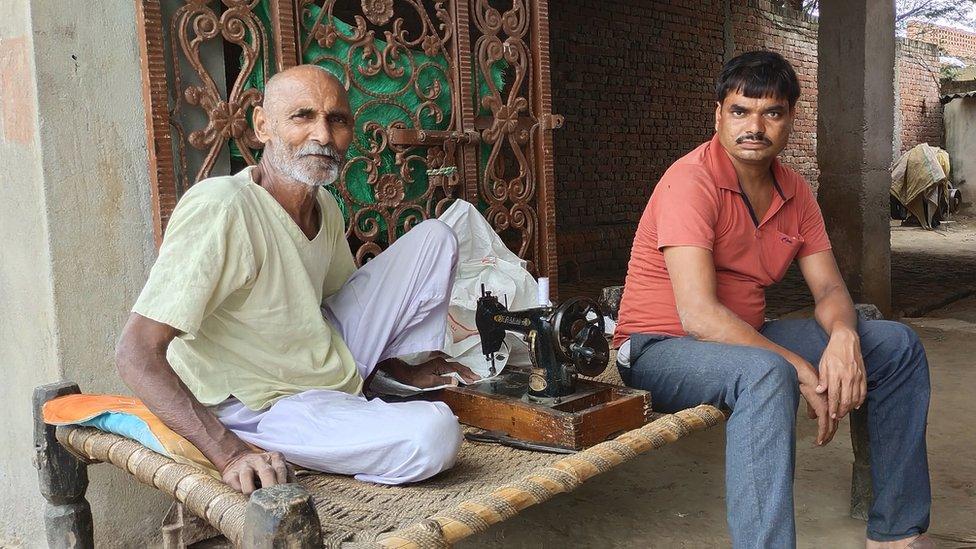 Balbir Singh (left)